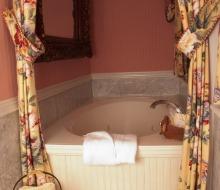 Suite 2 jacuzzi tub